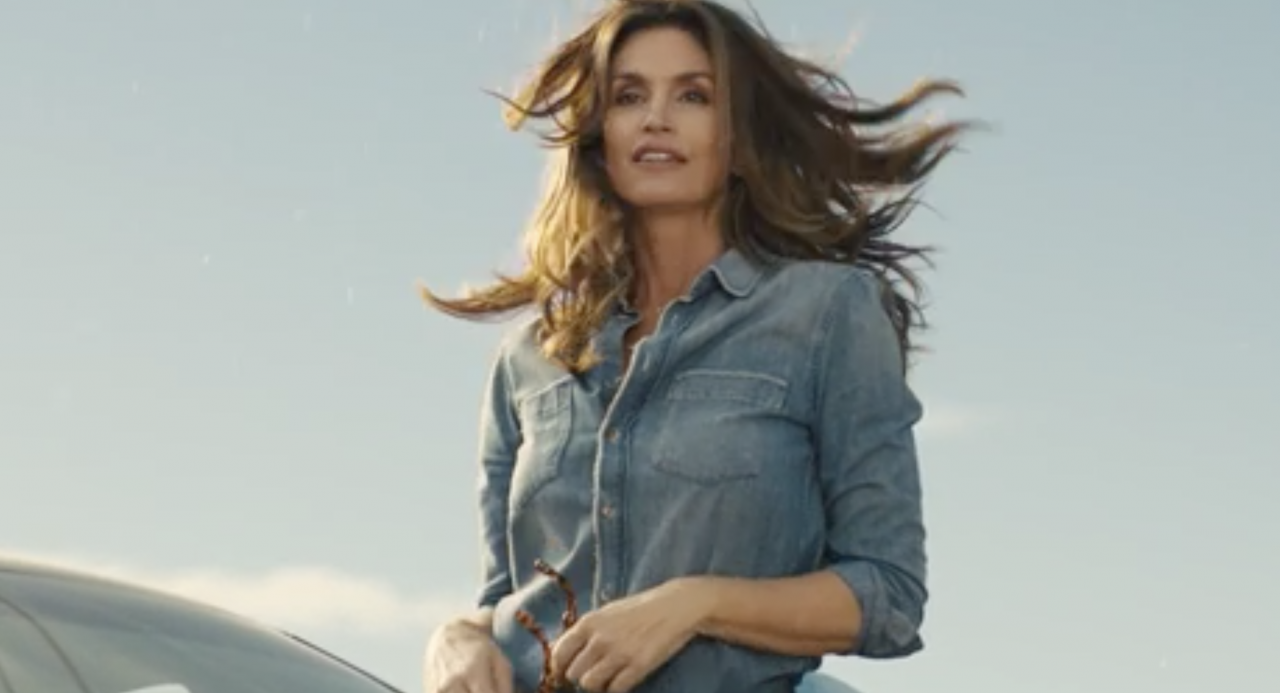 Cindy Crawford returns as the face of Pepsi in brand's Super Bowl spot
